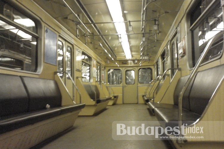 Metro Tannenbaum.Public Transport On Christmas Day Budapest Blog What To Do And